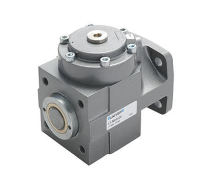 Locking unit for cylinders and piston rods